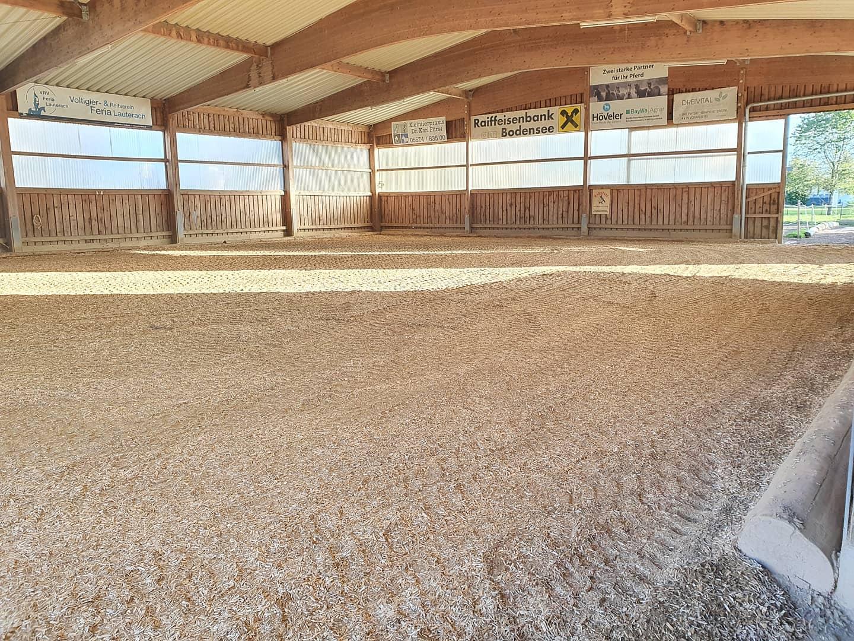 Neuer Boden für die Halle